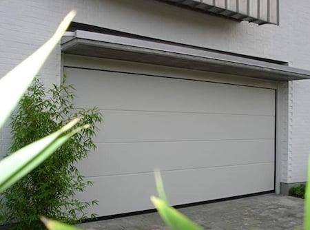 Porte Garage persus Breda